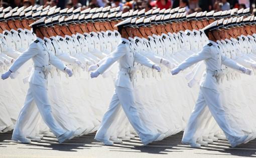 Kiinassa vietettiin 60-vuotispäivää värikkäissä tunnelmissa 2