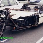 Poliisi ajaa sinisellä autolla uaa….. Outoja kulkuneuvoja!