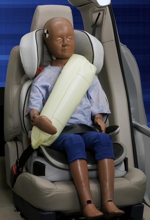 Ford esittelee ilmatyyny-turvavyön lapsille