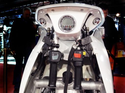 XOR motors esittelee: XO2 urban transformer, kokoontaittuva sähköskootteri 3