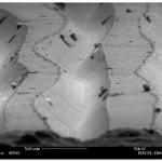 Miltä näyttää LP-levy elektronimikroskoopilla katsottuna? Entä CD?
