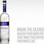 Medea Vodka -pullossa on ohjelmoitava led-näyttö etiketissä
