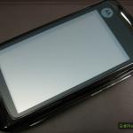 Motorola Moto MT820 on kahden näytön puhelin, joka näyttää 3D-kuvaa -huhu