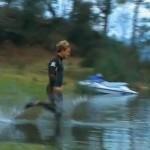 Liquid Mountaineering on uusi urheilumuoto, jossa juostaan veden pinnalla