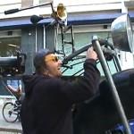 Saksalainen Monsterbike-fillari muistuttaa ensimmäisistä polkupyöristä