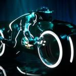 Tieliikennekelpoinen Tron moottoripyörä on überhieno!