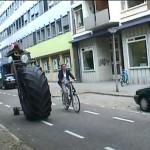 Monster-kolmipyörä massiivisuutta tavoitteleville pyöräilijöille