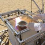 Pikamallinnusta Saharassa, raaka-aineena hiekka ja aurinko