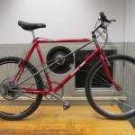 Insinööriopiskelija rakensi jarrutusenergian taltioivan polkupyörän
