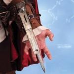 Assassin Creed II pelin hihapuukkoreplika on huolestuttava
