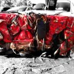 Ferrari sohvapöytä on valmistettu puusta, lasista ja yhdestä romutetusta Ferrarista