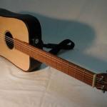 Kokoontaitettava akustinen kitara
