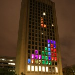 Opiskelijat modasivat toimistorakennuksesta jättimäisen Tetris-pelin