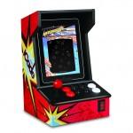 ION iCade iPad Arcadepelitelakka Hilavitkuttimen käpisteltävänä IFA 2012 messuilla