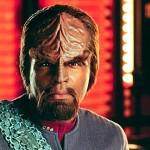 Sano se Klingoniksi, Bing hoitaa käännöstyön.