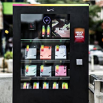 Nike esitteli automaatin, joka vaihtaa urheilemalla tienattuja pisteitä tuotteisiin