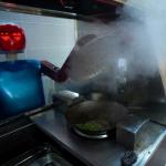 Kiinassa on nyt ravintola, jossa robotit hoitavat ruoanlaiton ja tarjoilun