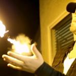 PYRO FIRESHOOTER mahdollistaa tulipallojen ampumisen suoraan ranteesta