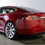Tesla työstää automaattista laturia sähköautoille