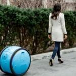 Piaggion Gita-robotti seuraa ja kantaa ostokset