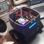 Tee-se-itse GUARDIAN-robotti valvoo kotia ja ilmoittaa tunkeilijoista, rakennusohjeet