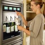 Discovery WineStation tarjoilee neljästä viinipullosta kotibaarissa