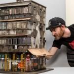 Uskomattoman yksityiskohtaiset miniatyyrikaupungit, graffiteista ja roskasäkeistä kahvikuppeihin ja lehtiin