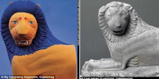 Roomalalainen leijonapatsas. Väritys on tässä arvio, sillä kaikki jäljet maalista on kulunut pois