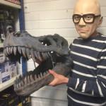 Jättikokoinen tyrannosaurus-pääkallo viimeistelee sisustuksen