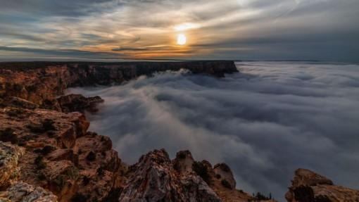 Grand Canyon pilvineen (kuvakaappaus videolta)