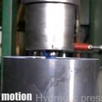 Hydraulinen puristin vs. laakerinkuula (Hydraylic Press Channel)