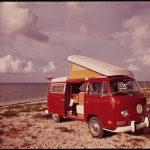 """15 valokuvaa Volkswagenin ikonisista malleista sekä tietoa 2022 ilmestyvästä ID Buzz -sähköisestä """"hippivolkkarista"""""""