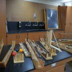 Inertia-demonstraatio kuulilla ja erilaislla raiteilla hämmentää, Galileo jo pohti tätä, Video