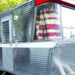 Tandem Axle Holiday House on luksus-asuntovaunu 60-luvulta, katso kuvat!