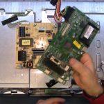 Kuinka vanhasta LCD-televisiosta voi rakentaa tasaisen valkoisen kuvausvalon