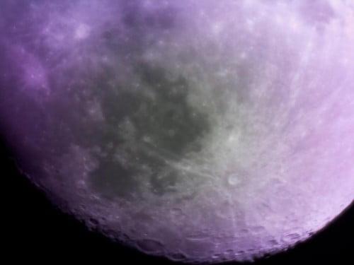 Kuu kuvattuna PiKonilla