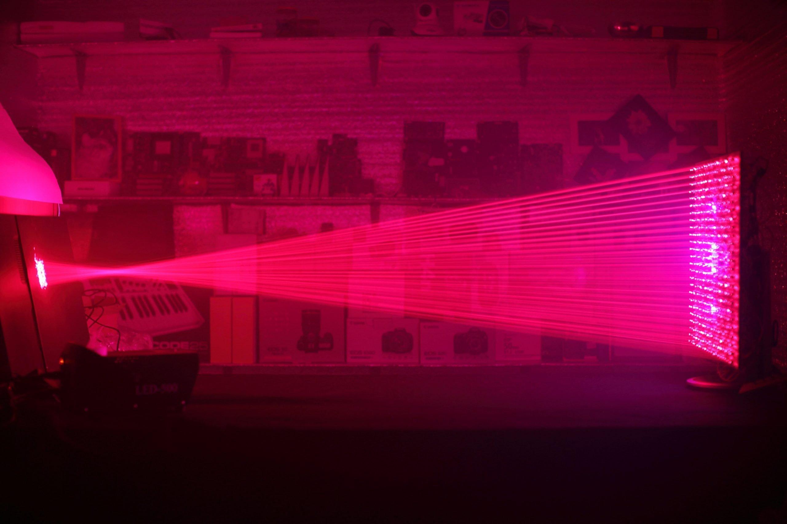 500 laserosoitin-komponenttia