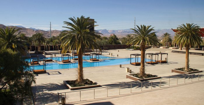 M Resort Spa Casino uima-allas