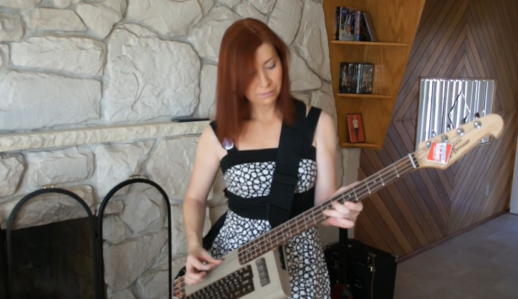 C64 Bass Guitar - Cool to be Square Wave