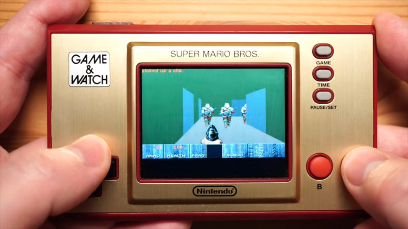 DOOM Nintendo Game and Watch -pikkukonsolilla