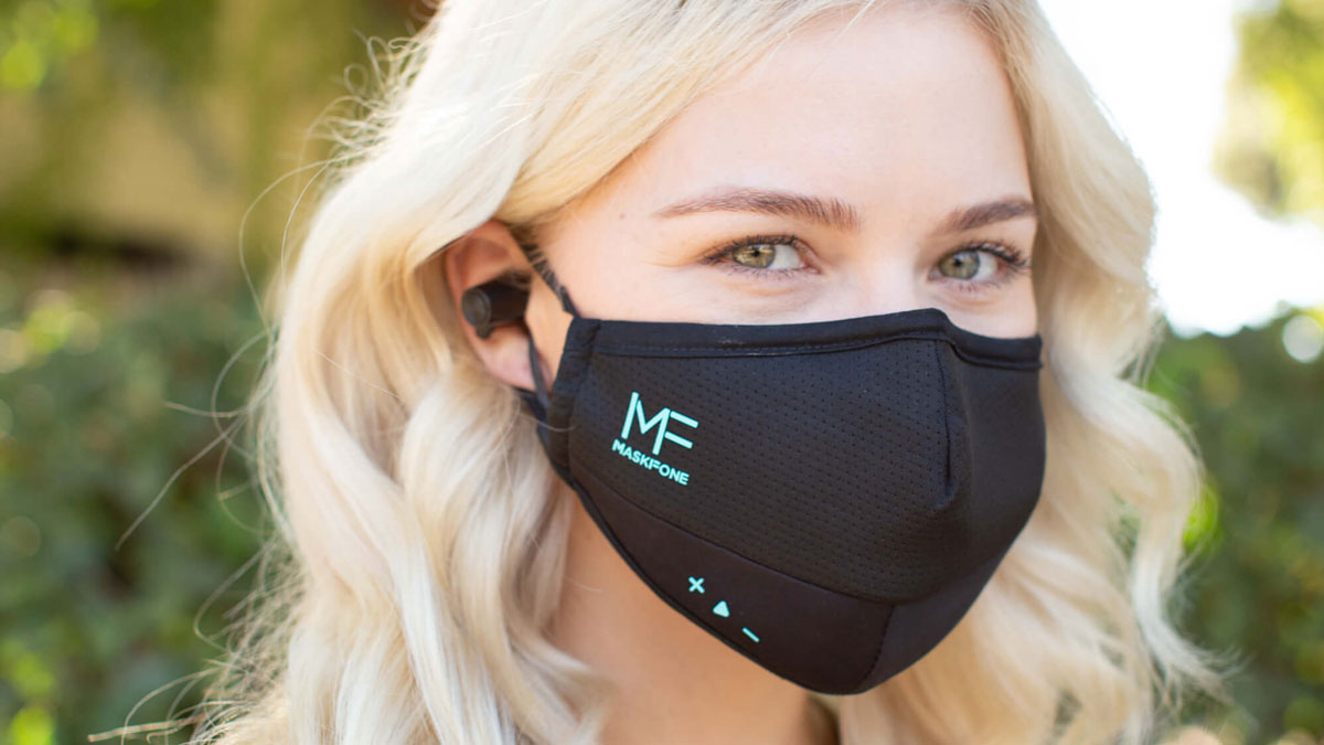 MASKFONE combines protection, convenience, and technology and embodies this in one stylish, high-quality package. MASKFONE features replaceable PM2.5 and N95/FFP2 filters, a built-in microphone, and earphones, reducing the need to remove your mask in public.