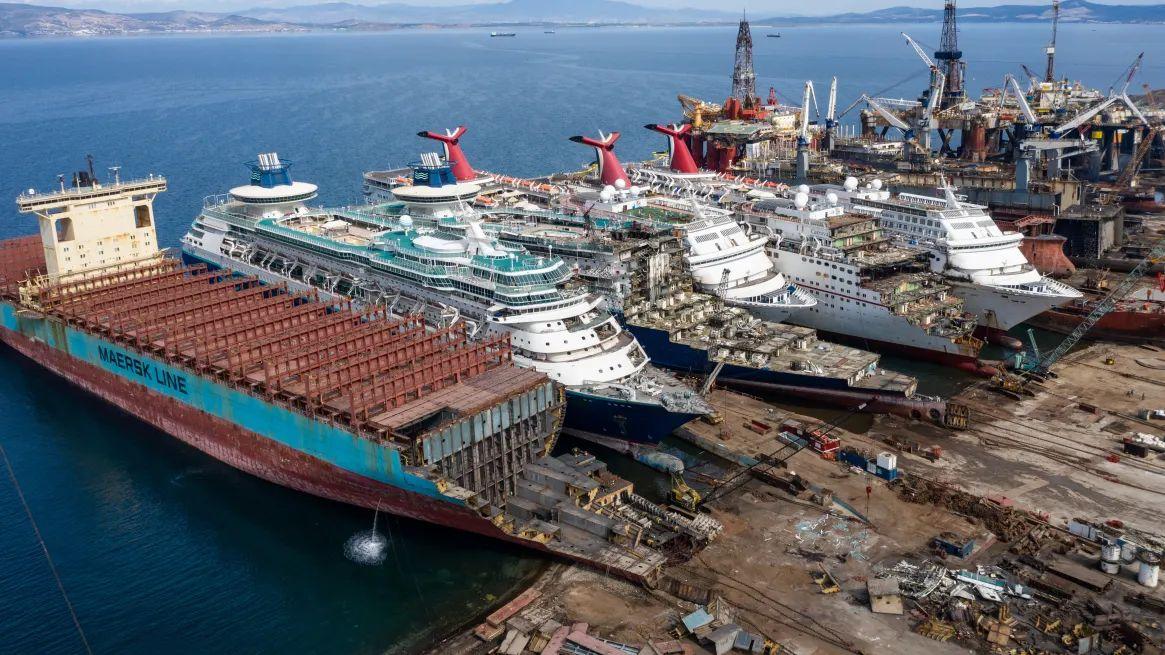 Purettavia laivoja