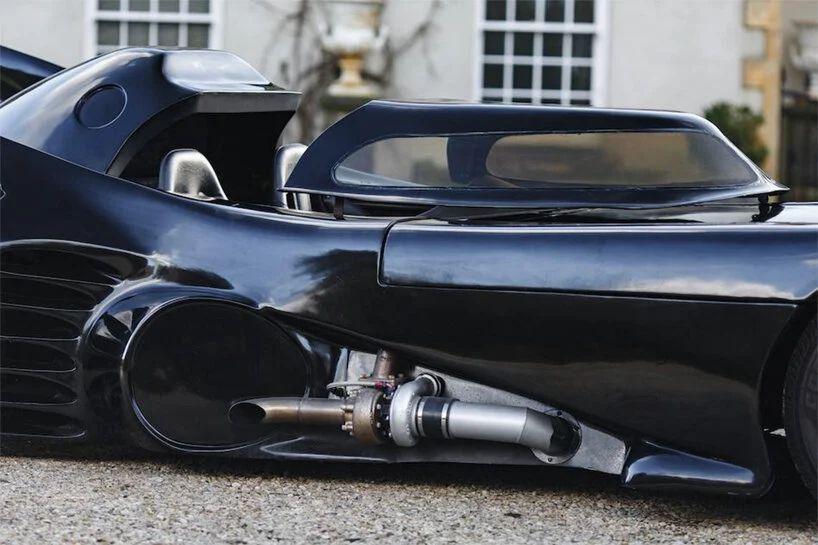 1965 Ford Mustang / Tim Burton Batman 1989 Batmobile